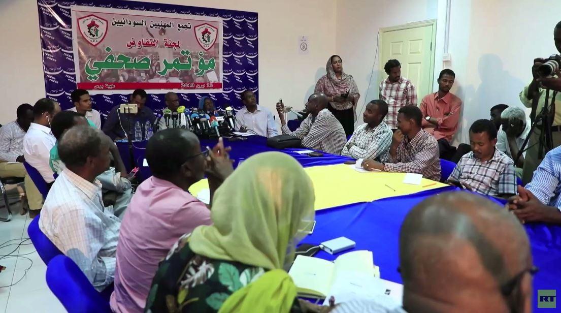تجمع المهنيين السودانيين يهدد بتصعيد حراكه عقب تعليق التفاوض مع المجلس العسكري