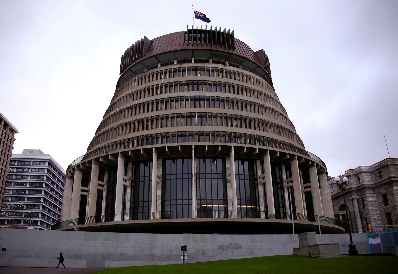مغتصب يطارد النساء في أروقة البرلمان النيوزيلندي!