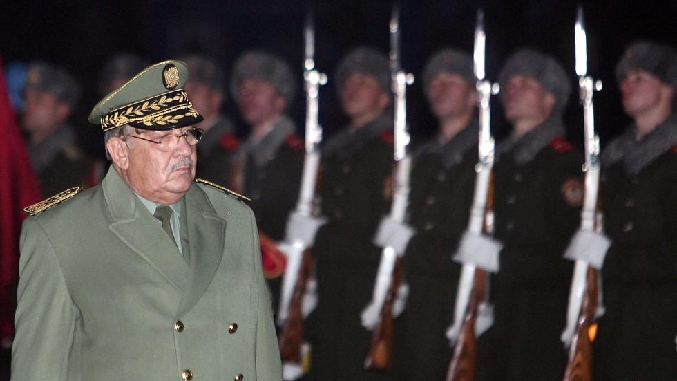 قائد الجيش الجزائري: لا طموحات سياسية لدينا!