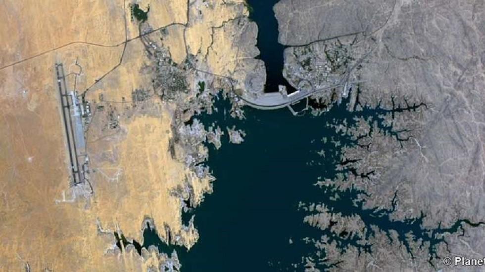 السيسي يعوض المتضررين من بناء السد العالي!