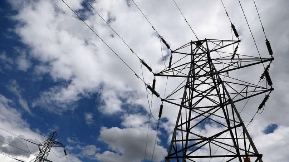 مصر توقع اتفاق الربط الكهربائي مع قبرص واليونان عبر جزيرة كريت -