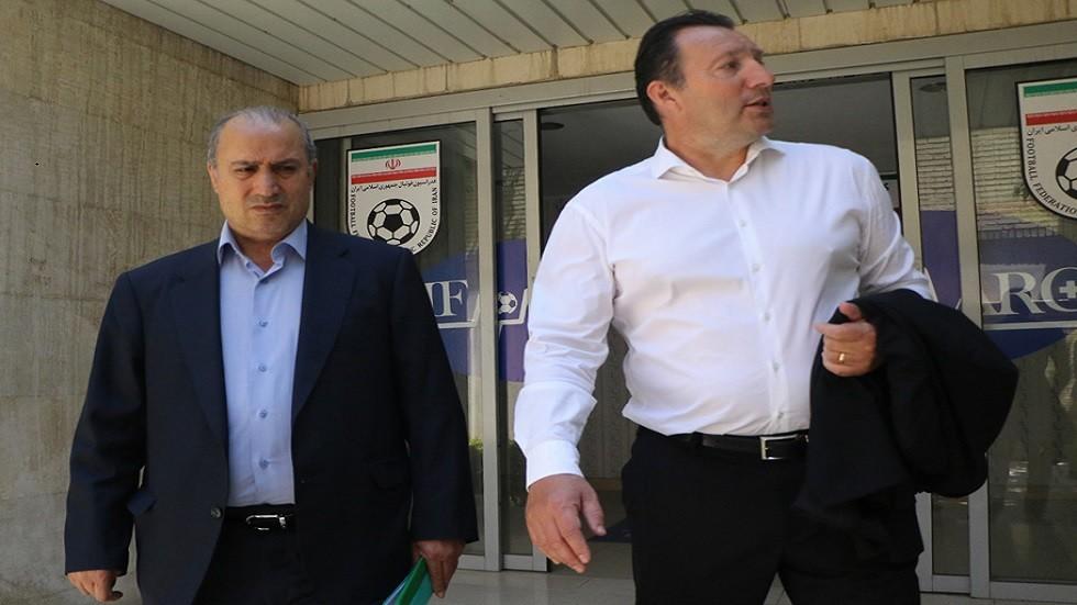 رسميا.. فيلموتس يوقع عقد تدريب المنتخب الإيراني
