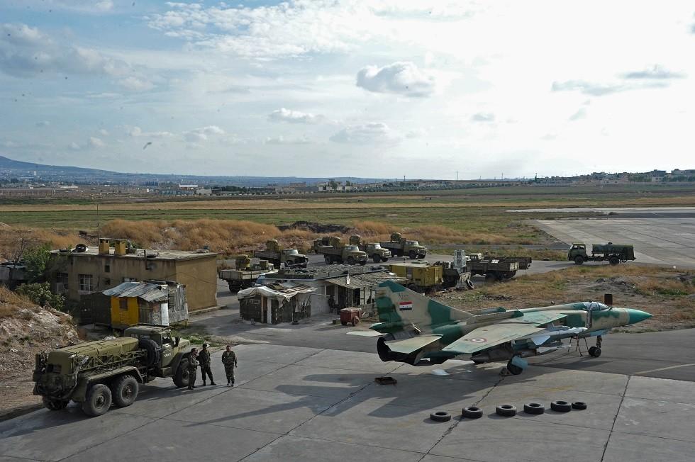 أرشيف - قاعدة حماة الجوية بالقرب من مدينة حماة في سوريا