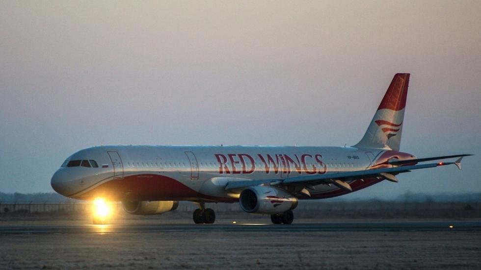 طائرة روسية تعود أدراجها إثر حادثة عنيفة على متنها! (فيديو)