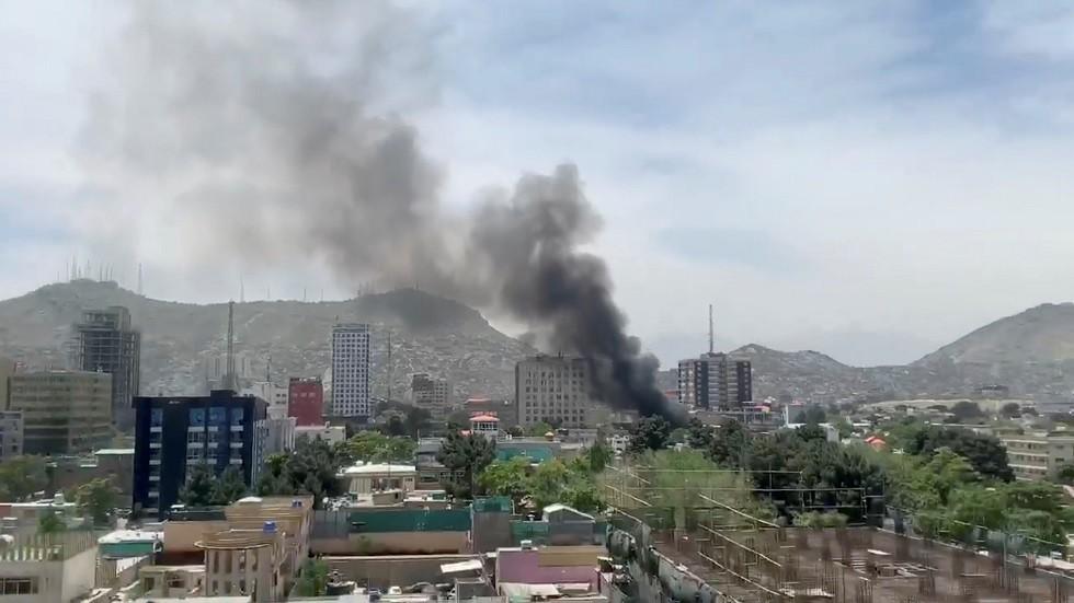 مقتل داعية بارز بتفجير داخل مسجد في كابل