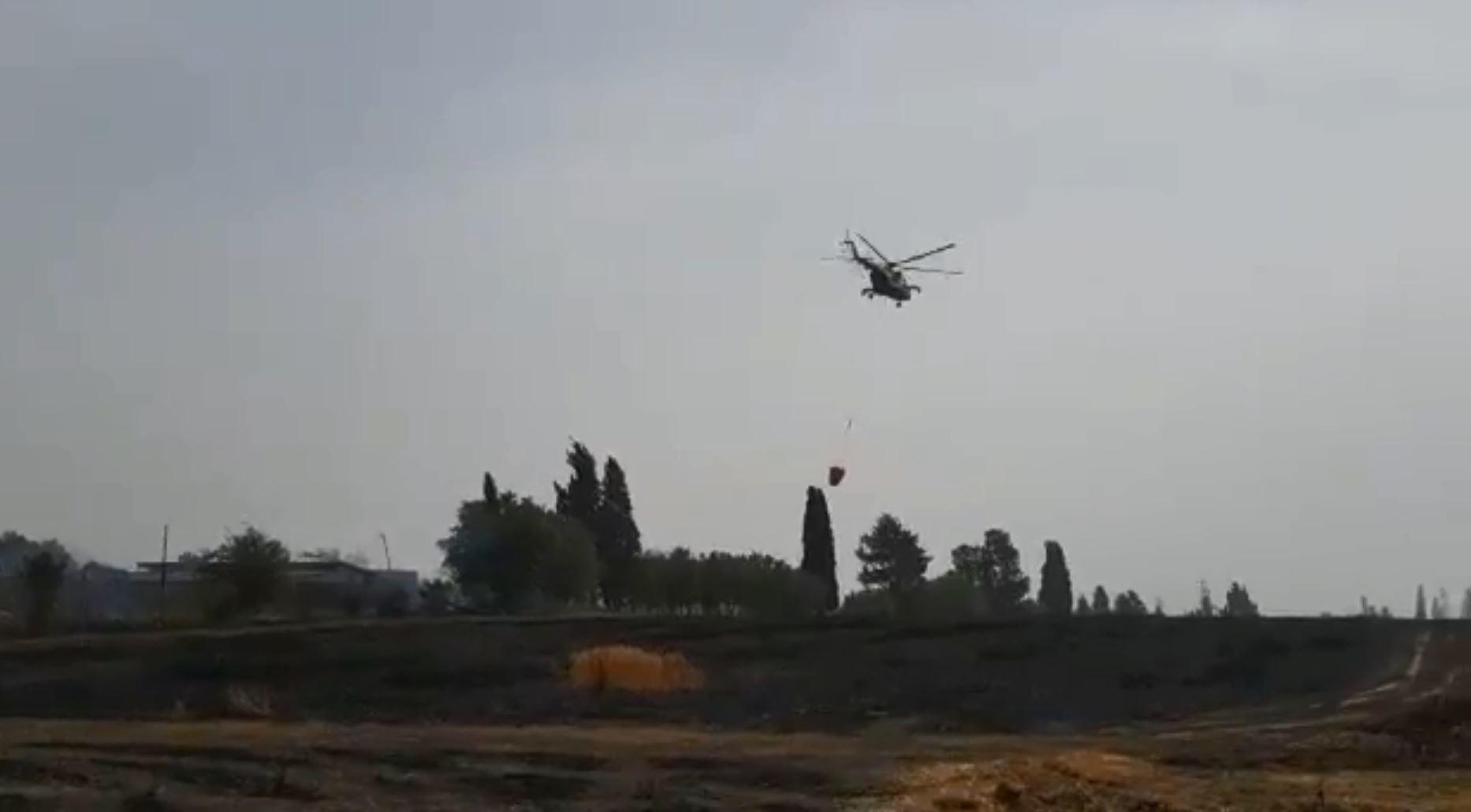 بالفيديو.. هليكوبتر مصرية تخمد حرائق إسرائيل
