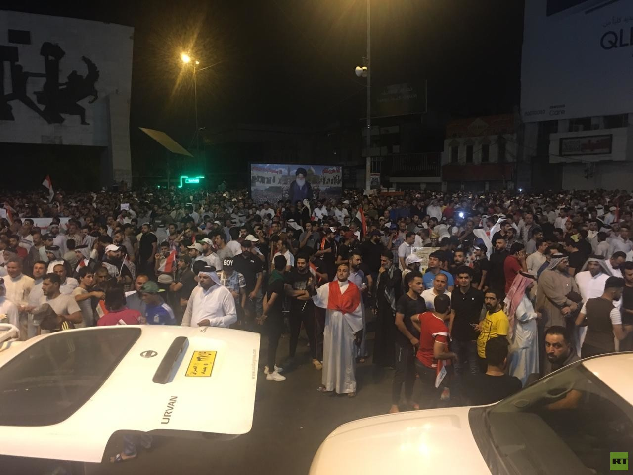 مظاهرات شعبية لأتباع الصدر في بغداد تدعو لدعم أمن العراق وإبعاده عن الصراعات الإقليمية