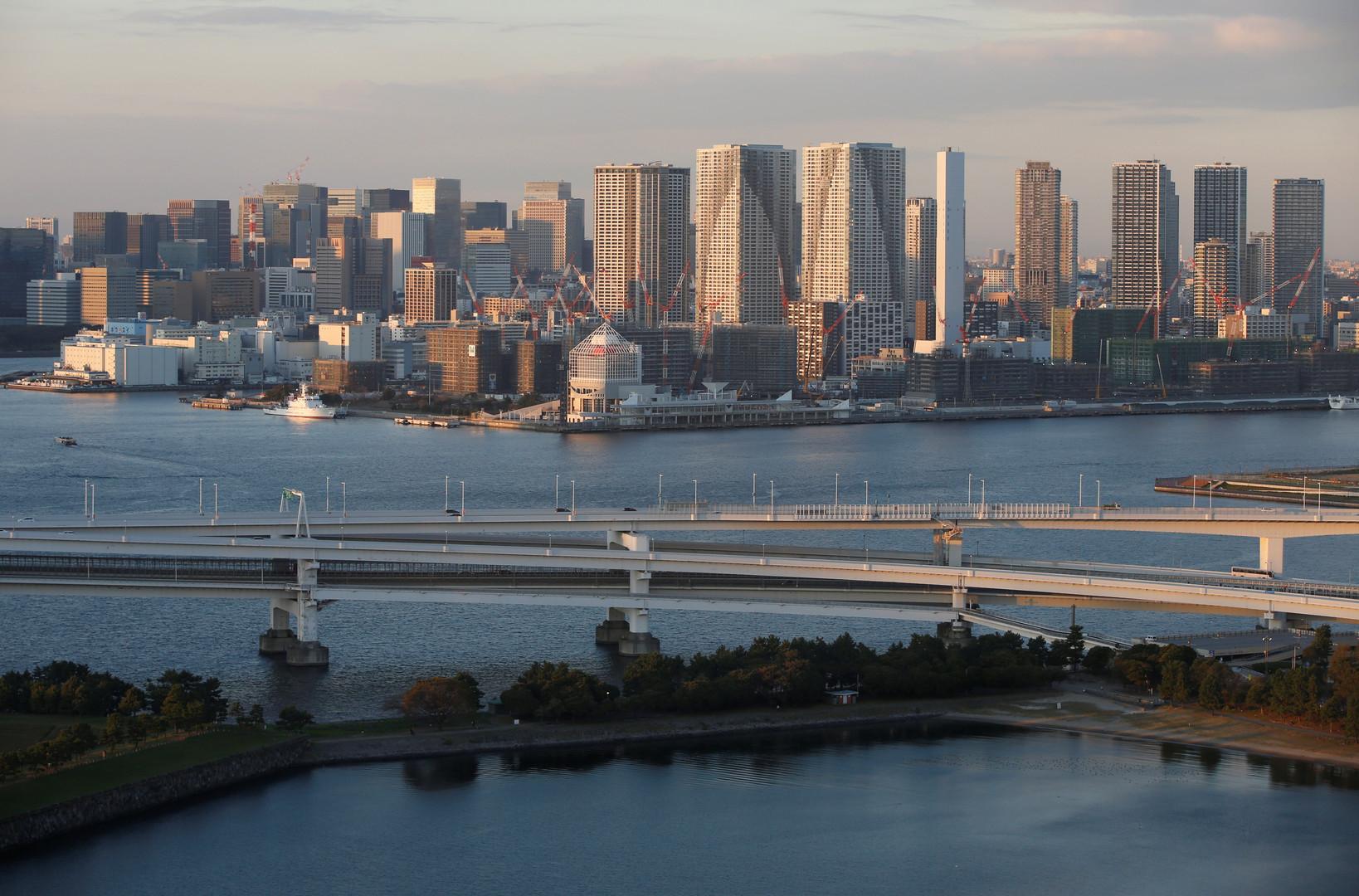 طوكيو تستقبل ترامب بهزة أرضية عنيفة