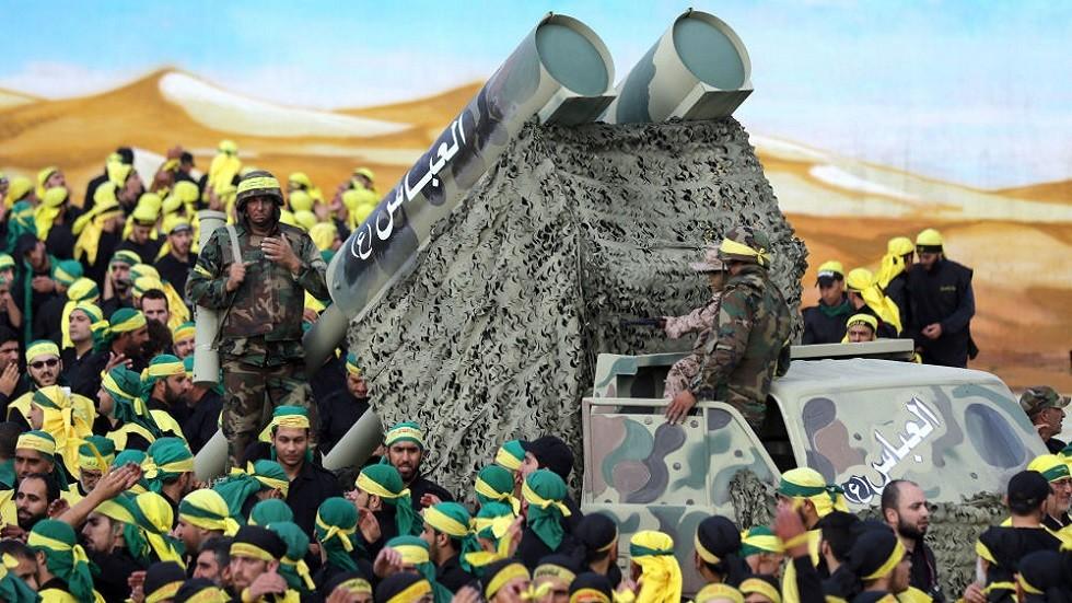عناصر من حزب الله مع قدراتهم الصاروخية