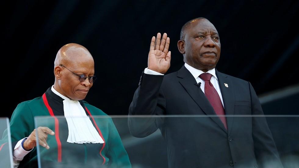 رئيس جنوب إفريقيا الجديد سيريل رامافوزا يؤدي اليمين الدستورية
