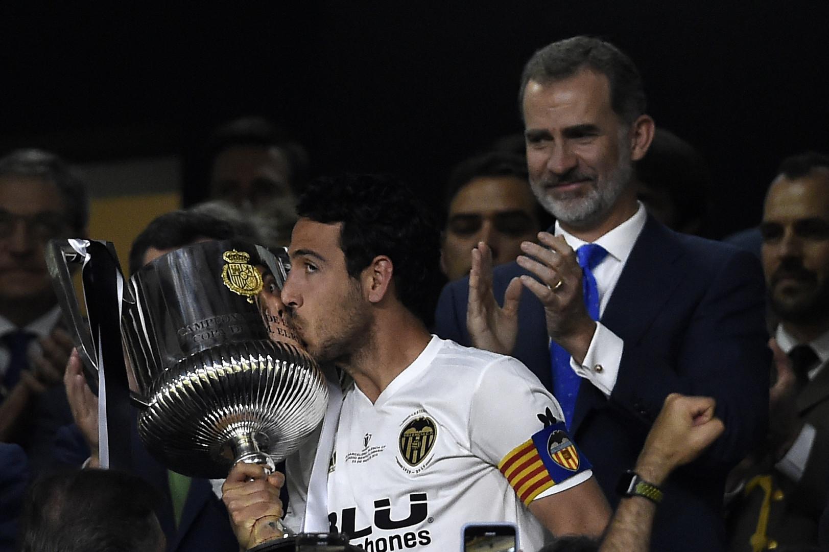 فالنسيا يعمق جراح برشلونة ويحرز لقب كأس ملك إسبانيا