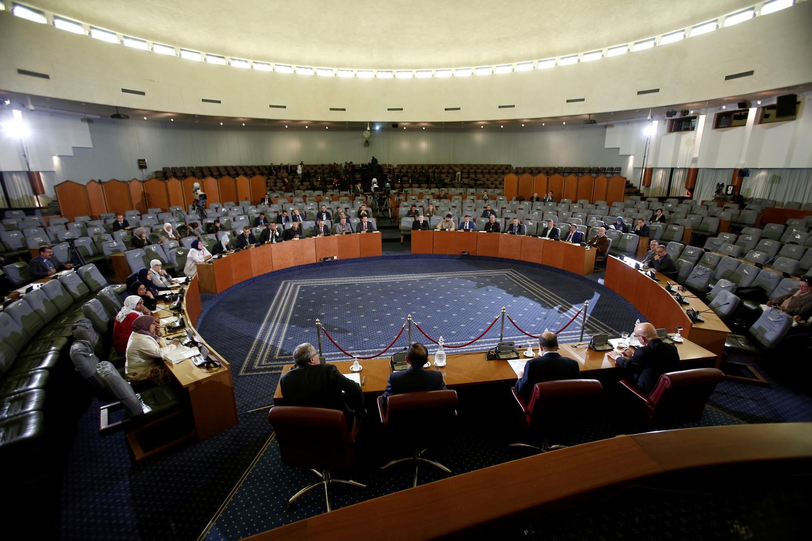 الجزائر تغلق باب الترشح لانتخابات الرئاسة لعدم وجود مرشحين