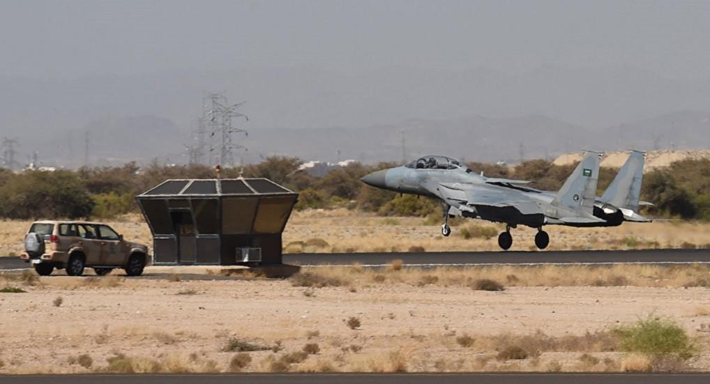 الحوثيون يستهدفون حظائر المقاتلات في مطار نجران السعودي