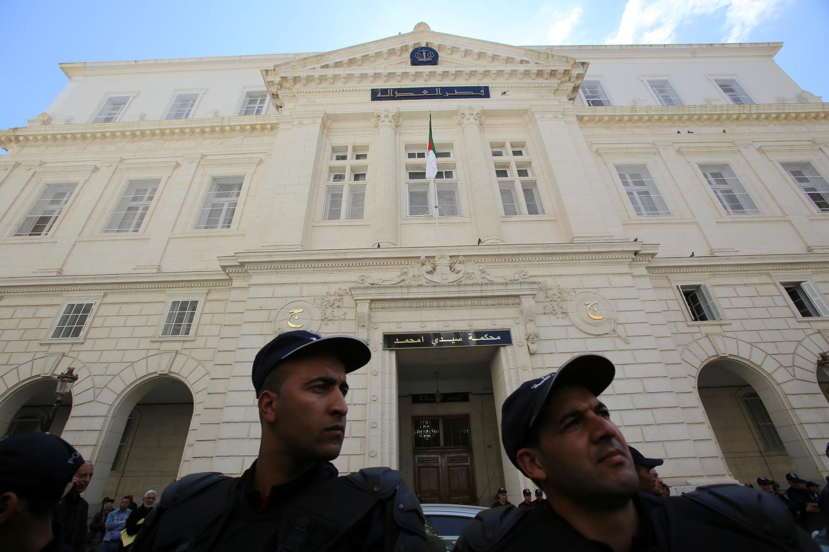 الجزائر.. إحالة 9 وزراء ورئيسي حكومة سابقين للمحاكمة