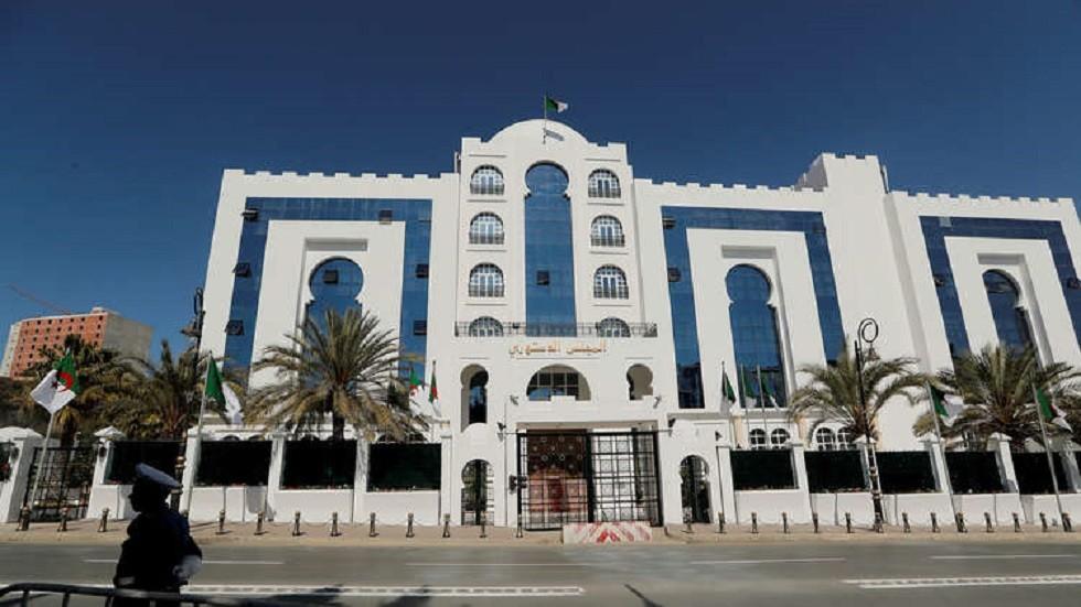 المجلس الدستوري الجزائري يعلن تسلم ملفي مرشحين للانتخابات الرئاسية المقبلة