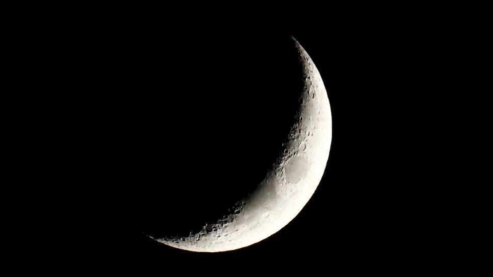 الإمارات.. مركز الفلك الدولي يحدد أول أيام عيد الفطر المبارك