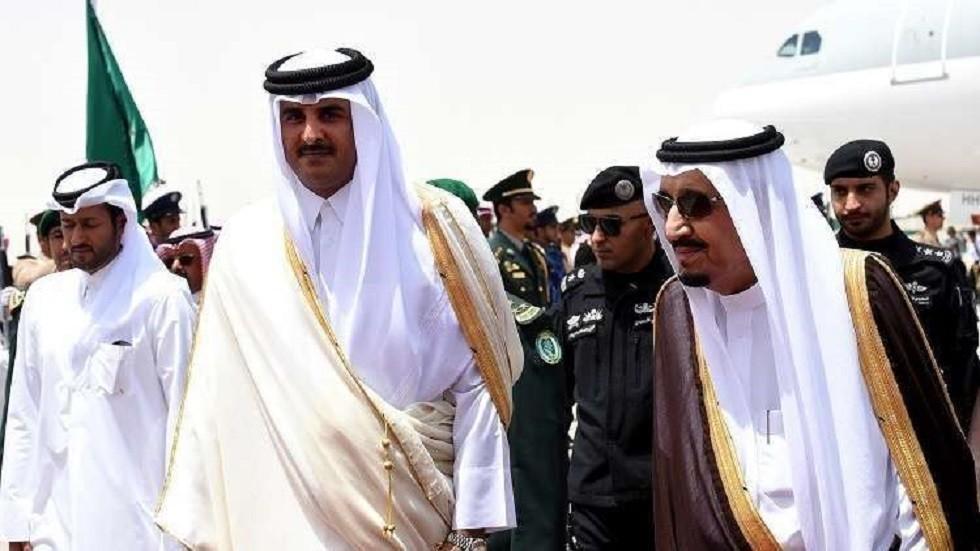 الملك سلمان بن عبد العزيز وأمير قطر الشيخ تميم بن حمد آل ثاني