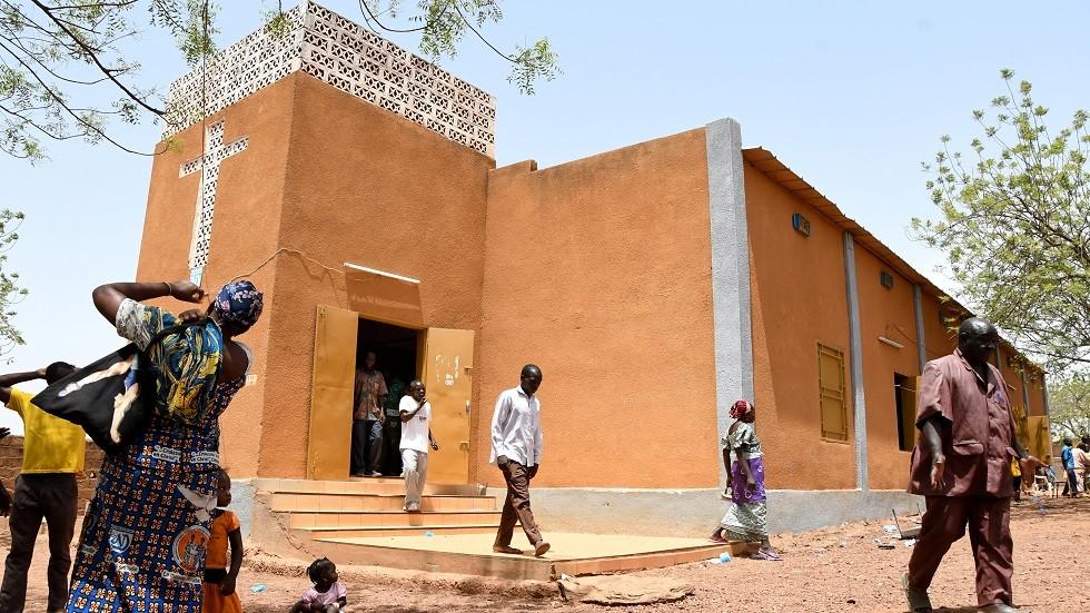 مقتل 4 أشخاص في هجوم مسلح على كنيسة شمالي بوركينا فاسو
