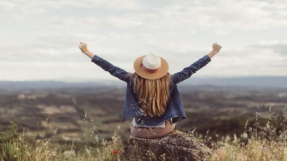 دراسة: النساء أكثر سعادة من دون زواج