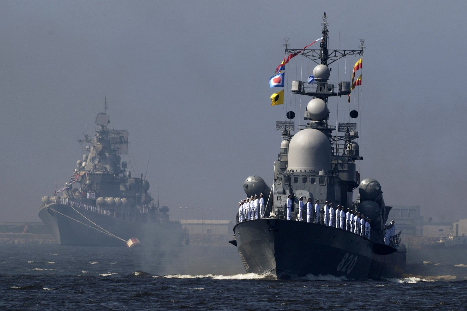 مناورات بحرية روسية في بحر بارنتس