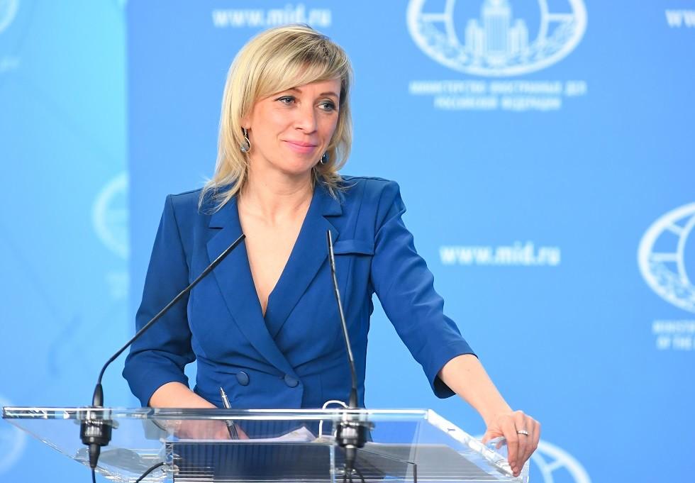 زاخاروفا تسخر من المطالب الموجهة للرئيس الأوكراني بعدم التحدث بالروسية