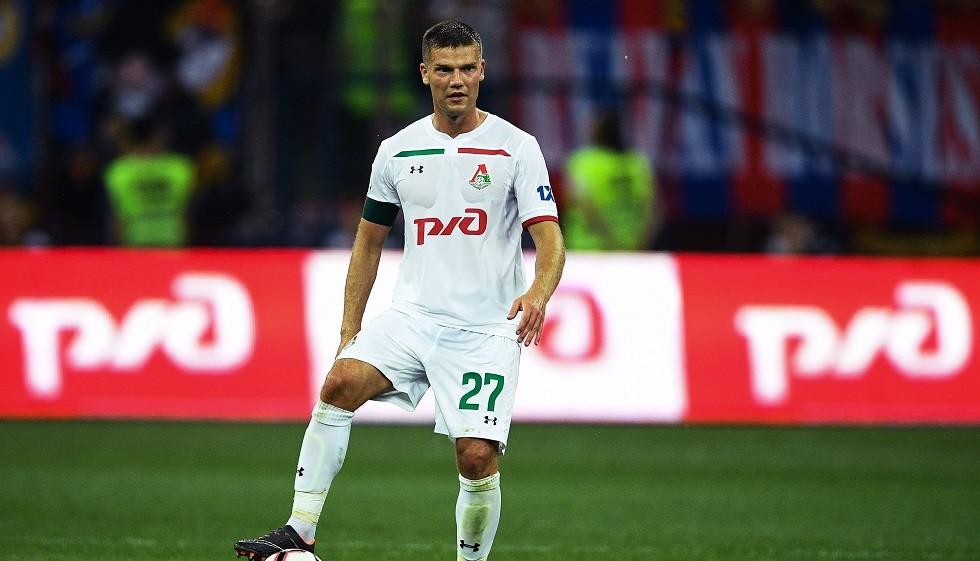 اللاعب الروسي دينيسوف يعتزل كرة القدم رسميا