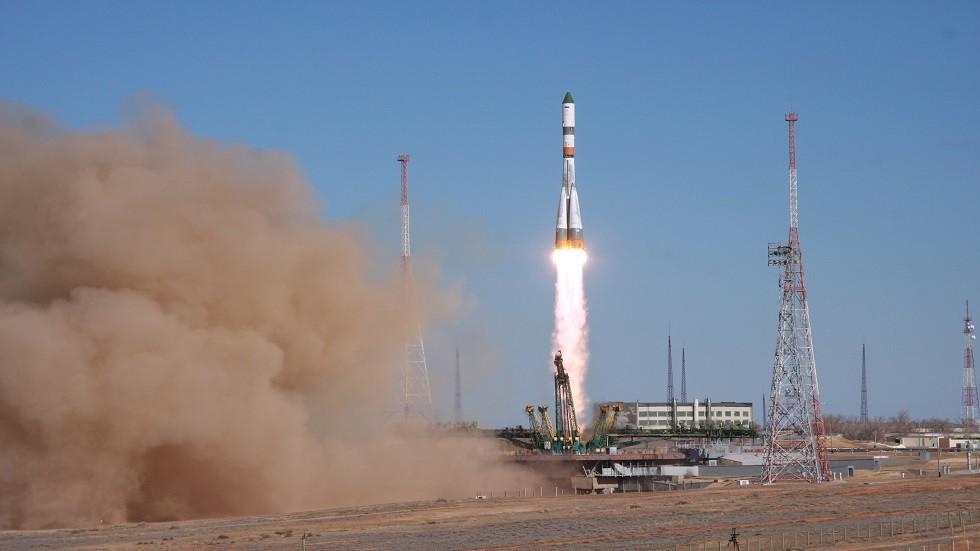 مصدر يكشف مواعيد إطلاق أقمار OneWeb من بايكونور