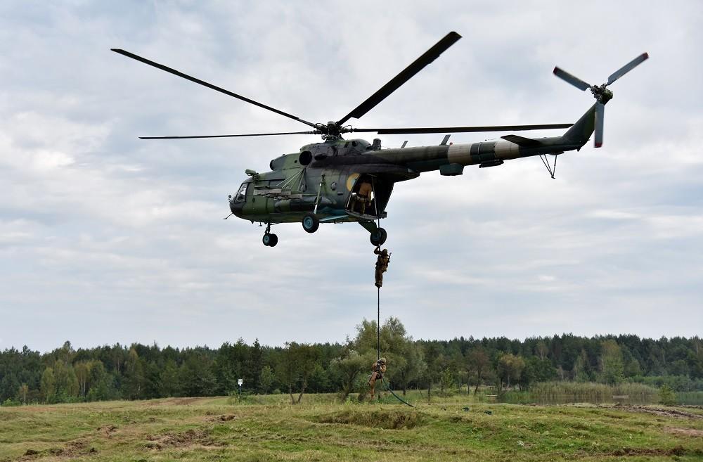مقتل 4 عسكريين بتحطم مروحية عسكرية في أوكرانيا