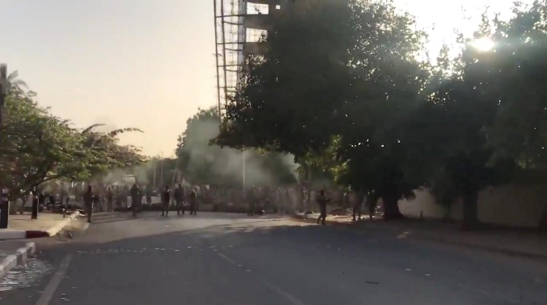السودان.. قتيل وجرحى نتيجة تبادل لإطلاق النار بمحيط ساحة الاعتصام بالخرطوم