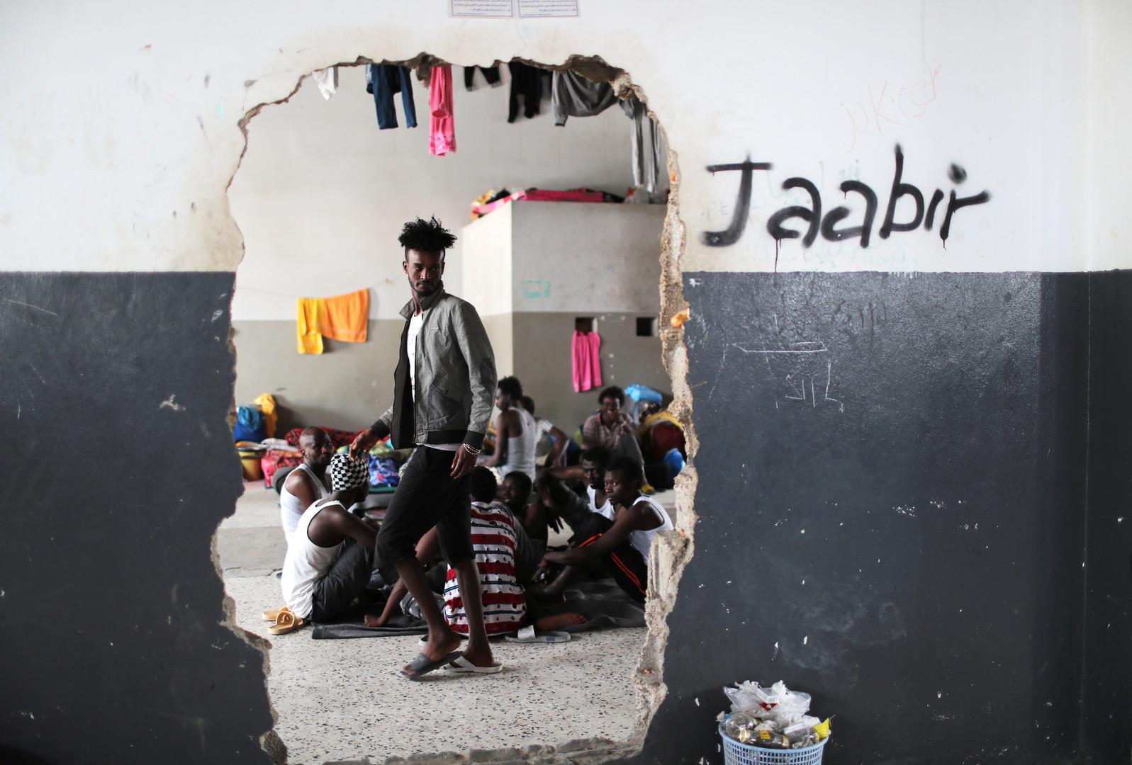 الأمم المتحدة: آلاف المهاجرين في دائرة الخطر بسبب استمرار القتال في طرابلس -