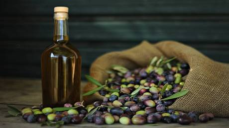 Olive oil protects the liver from the effect of pesticides
