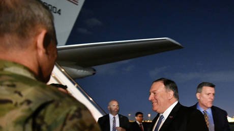 """Iraqi officials: Pompeo transferred to Baghdad a strict warning on the """"popular crowd"""""""