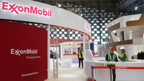 Iraq denies Exxon Mobil employees leave its territory