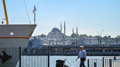 شركة إيطالية تبحث بيع حصتها في مشروع ضخم بتركيا