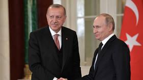 تشاووش أوغلو: أردوغان وبوتين اتفقا على ضرورة انعقاد مجموعة العمل بشأن سوريا