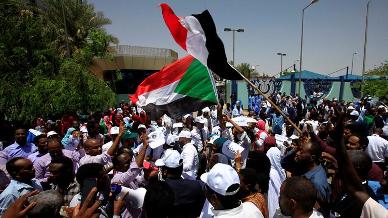 رويترز: الأمن السوداني يعتقل قياديا في