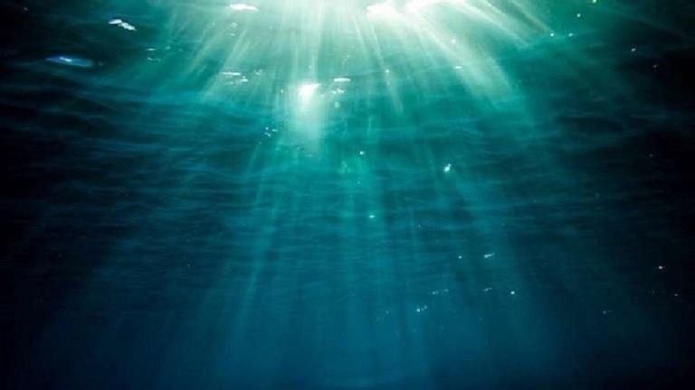 العلماء يكتشفون خزانا ضخما للمياه العذبة تحت المحيط