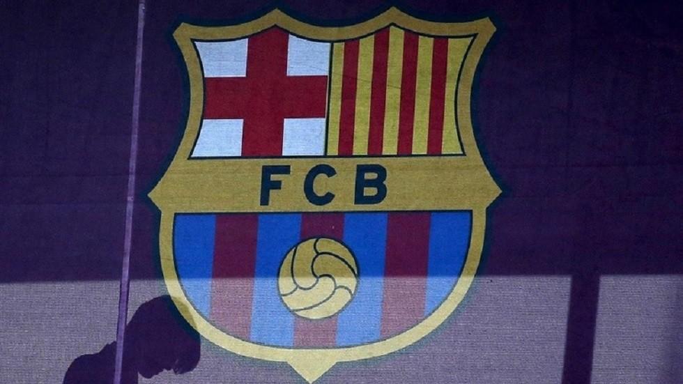 برشلونة يكشف النقاب عن قميص الموسم الجديد (صور)