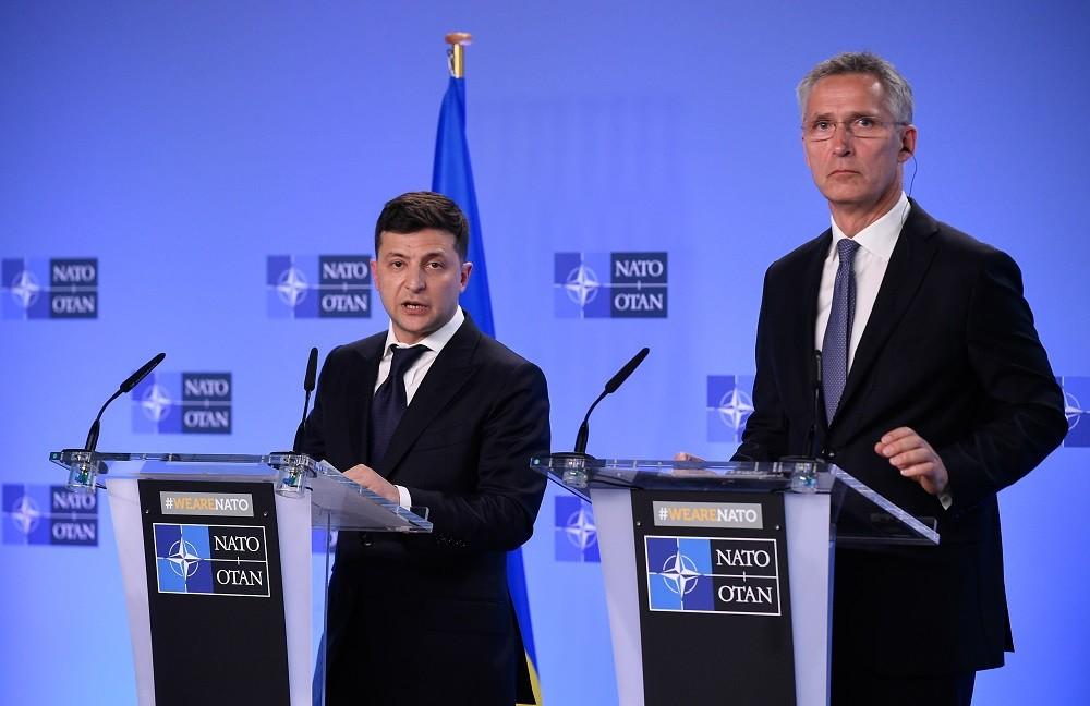 الرئيس الأوكراني يعلن استعداده للحوار مع روسيا