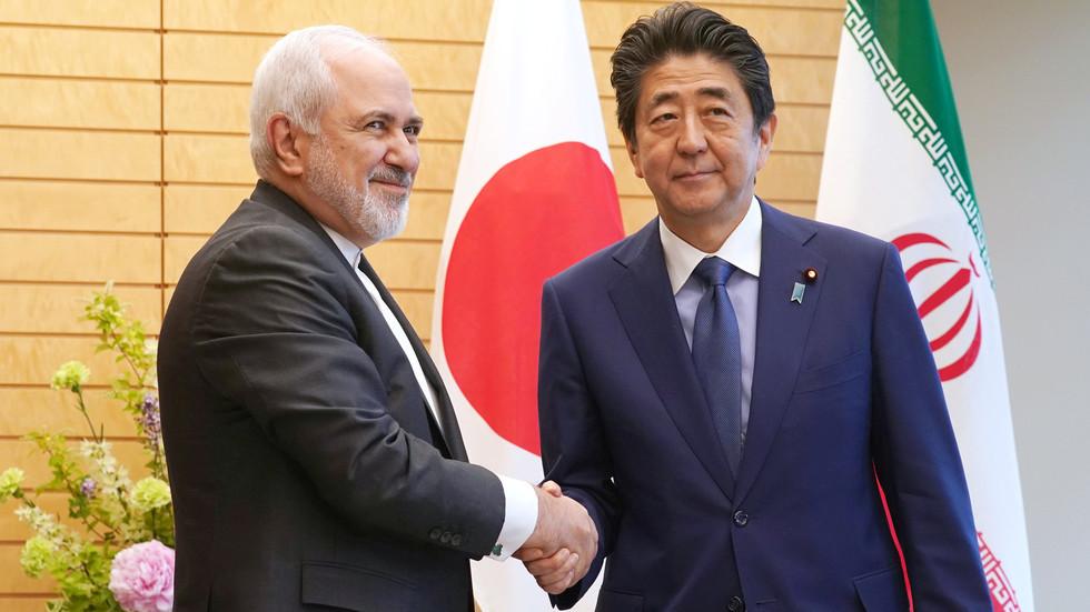 إيران تعلق الأمل على آبي لتخفيف التوتر مع واشنطن