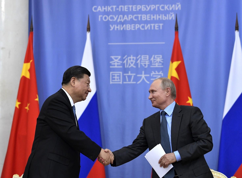 الرئيسان، الروسي فلاديمير بوتين، والصيني شي جين بينغ
