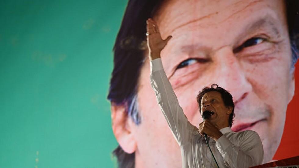 تلفزيون: خان عرض على مودي التفاوض بشأن كشمير لكنه لم يتسلم ردا