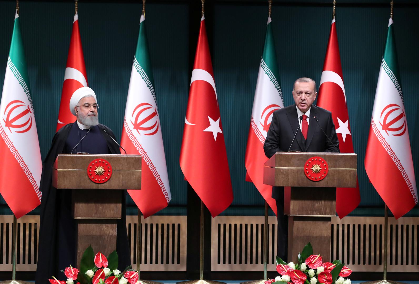 أردوغان وروحاني يتفقان على تعزيز التعاون لتسوية الأزمات في دول إسلامية