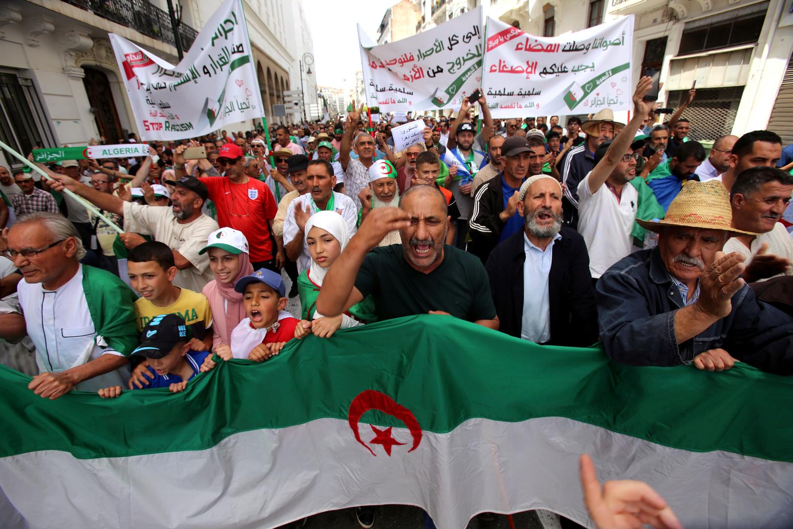 الرئيس والوزير الأول يغيبان عن نهائي كأس الجزائر