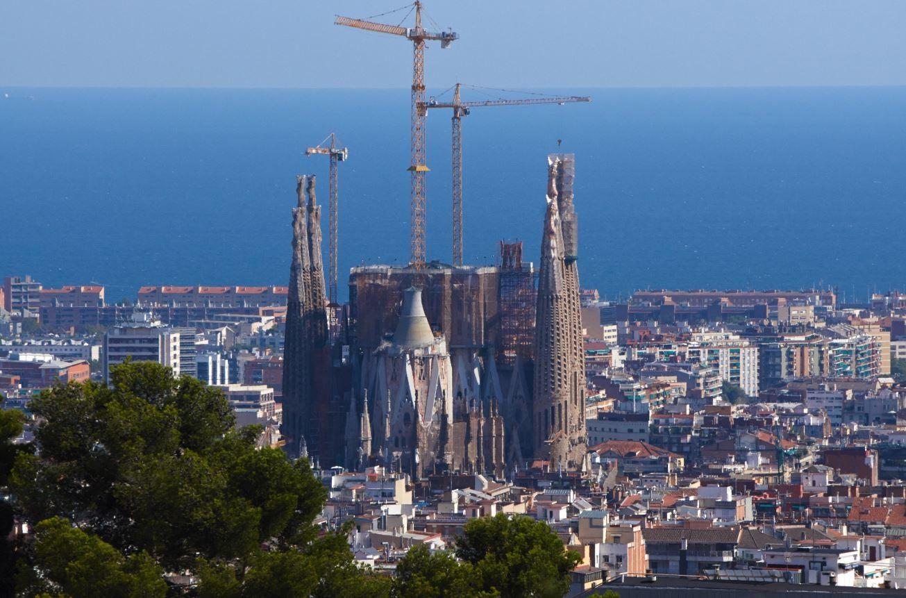 بعد أزيد من قرن.. سلطات كتالونيا تأذن في إكمال