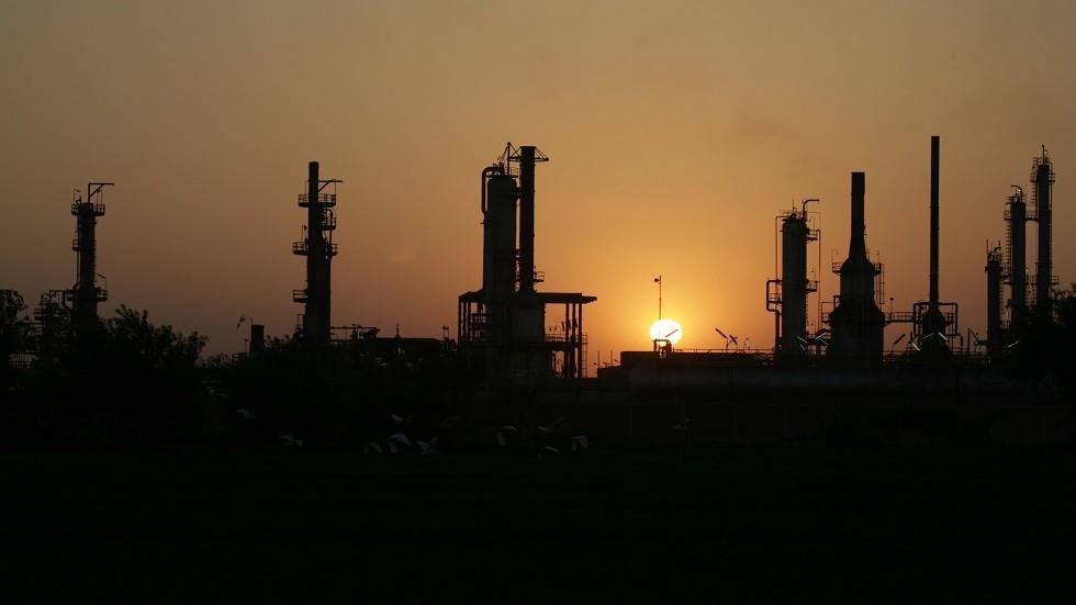 المالية المصرية تنفي إصدار بيانات تتعلق بأسعار المشتقات البترولية