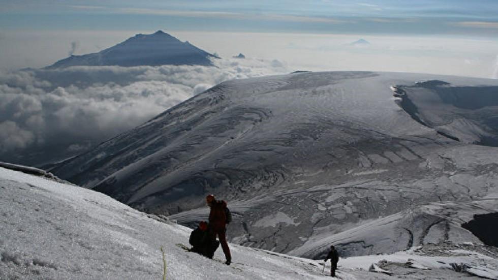 علماء البراكين: الحديث عن ثوران بركان