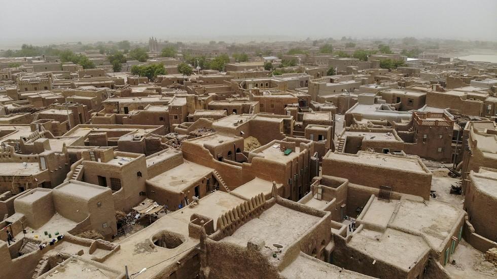 مسلحون يقتلون 95 شخصا في قرية وسط مالي