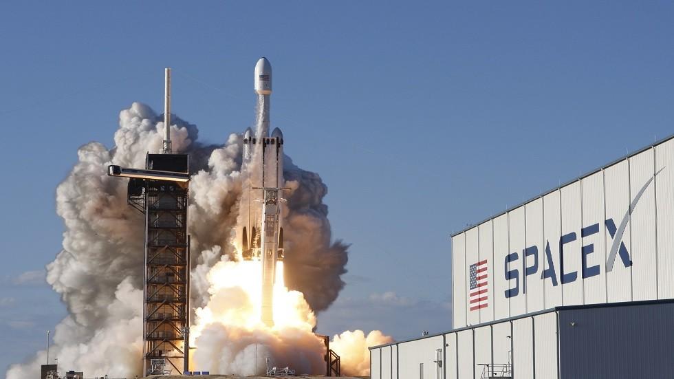 أمريكا تطلق تقنيات جديدة وساعة كونية إلى الفضاء