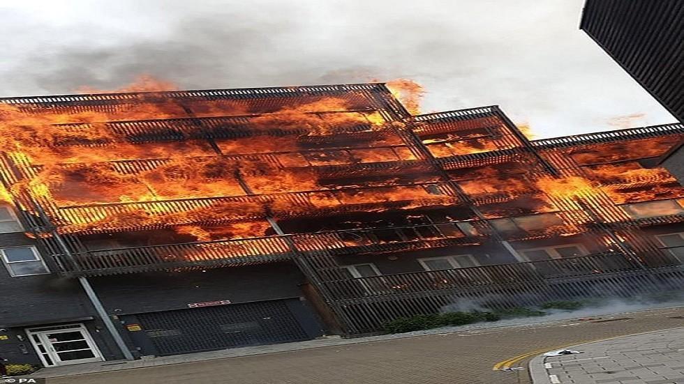 فيديو مروع لحادث التهام النيران مبنى سكنيا بلندن